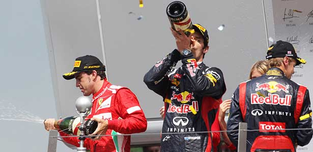 F112-alonso-webber-vettel-inglaterra-podio615
