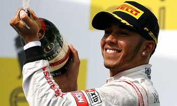 F112-hamilton-hungria-domingo-podio350