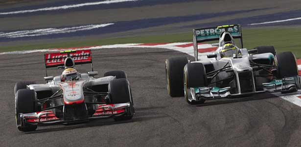 F112-hamilton-rosberg-bahrain-domingo615