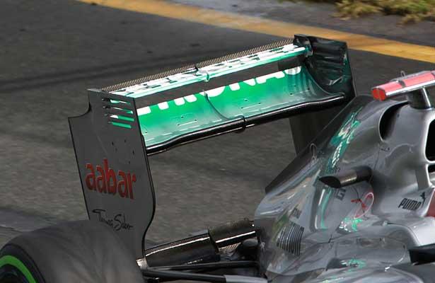 F112-mercedes-asa-traseira-australia-sexta615