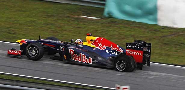 F112-vettel-malasia-domingo-pneu-furado615