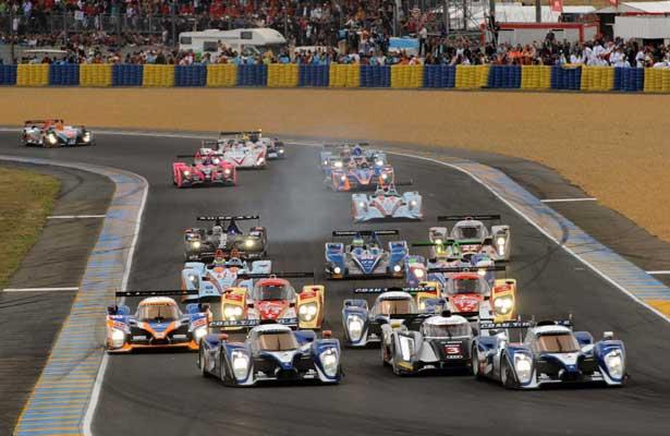 Largada das 24 horas de Le Mans 2011