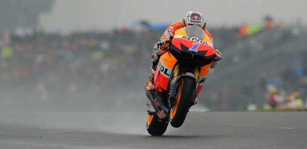 MotoGP12-stoner-franca-le-mans615