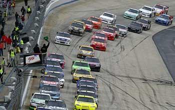 NASCAR11-dover-largada350