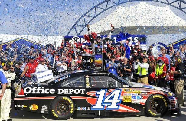 NASCAR12-stewart-las-vegas-vitoria615