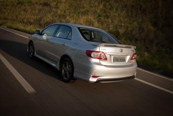 ToyotaCorollaXRS2013