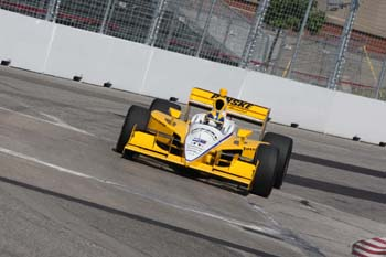 indy11-hcastroneves-amarelo
