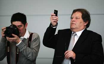 norbert-haug-tirando-foto-com-celular