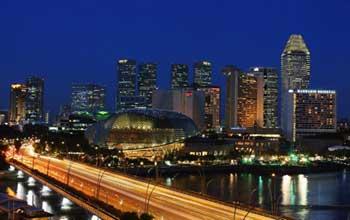 singapore_formula_one_racing_circuit_night_floodlight