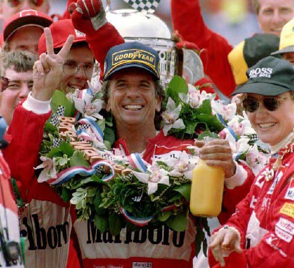 Vencendo as 500 milhas de Indianapolis pela segunda vez em 1993