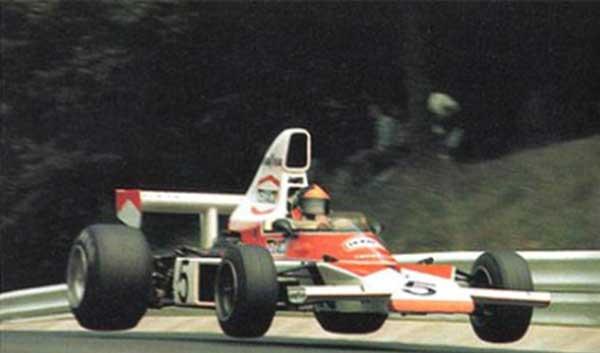 """Emerson """"voando"""" com sua McLaren"""