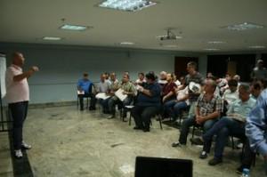 Dadai palestra para os participantes