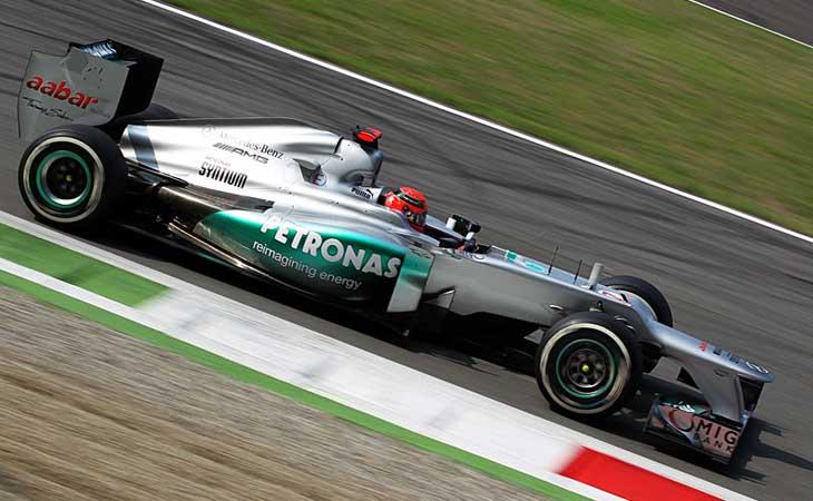 Em recuperação, Michael Schumacher completa 47 anos de idade