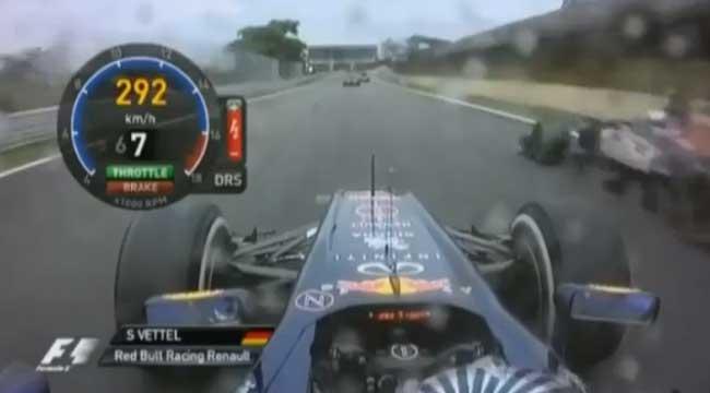 Vettel ultrapassa Vergne na reta oposta