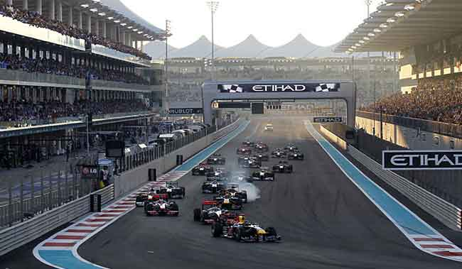 Largada F1 em Abu Dhabi 2011