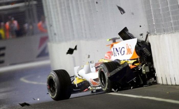Nelsinho Piquet no GP de Cingapura em 2008
