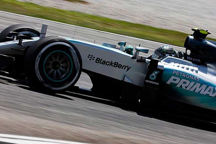 F1 – Rosberg bate Hamilton no último treino livre em Sepang