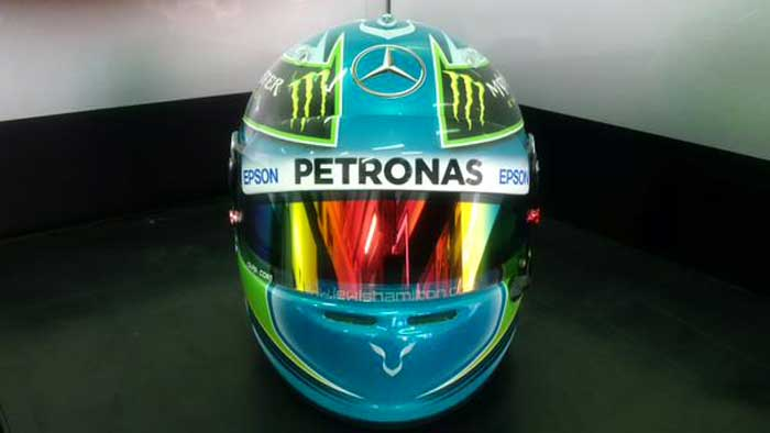 f1-hamilton-capacete-malasia