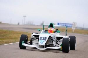 Pedro Cardoso vence e conquista título da F4 Sul- americana