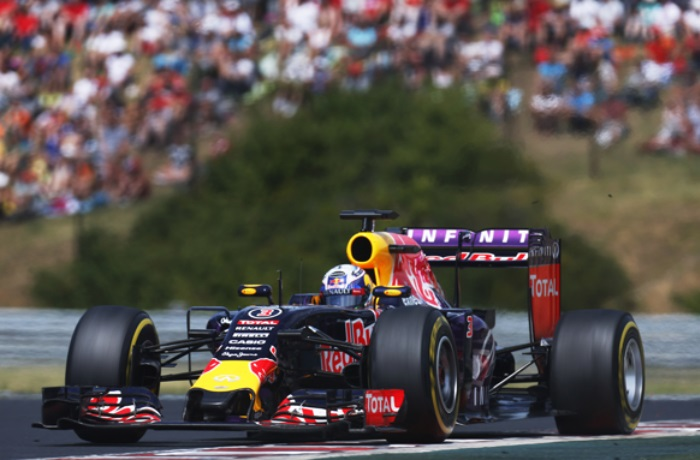 F1 – Red Bull pode vencer com motor Ferrari, segundo Webber