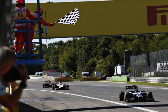 GP2 – Mitch Evans vence a corrida curta em Sakhir