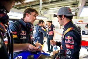 James Key e Carlos Sainz