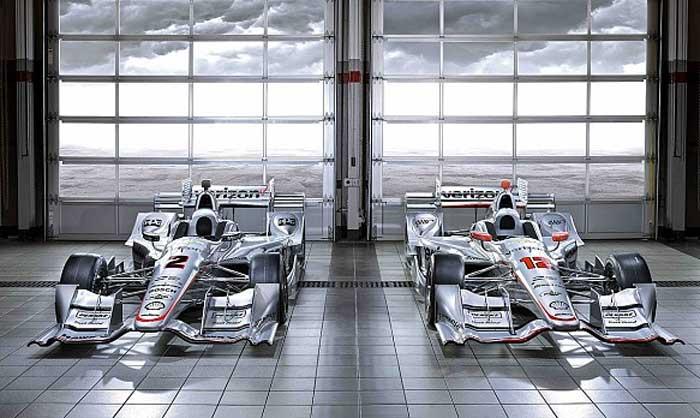 Carros de Juan Pablo Montoya e Will Power
