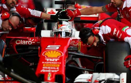 Vettel testa ultra macios em Barcelona
