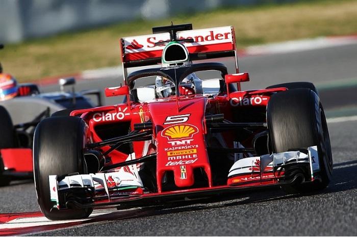 Ferrari com sistema de proteção halo