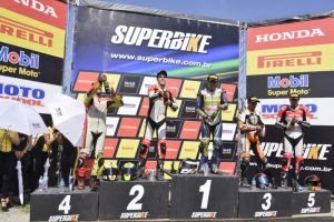 Danilo Lewis vence a 1ª etapa da SuperBike em Interlagos