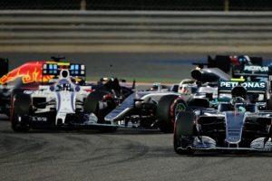 Primeira curva do GP do Bahrain