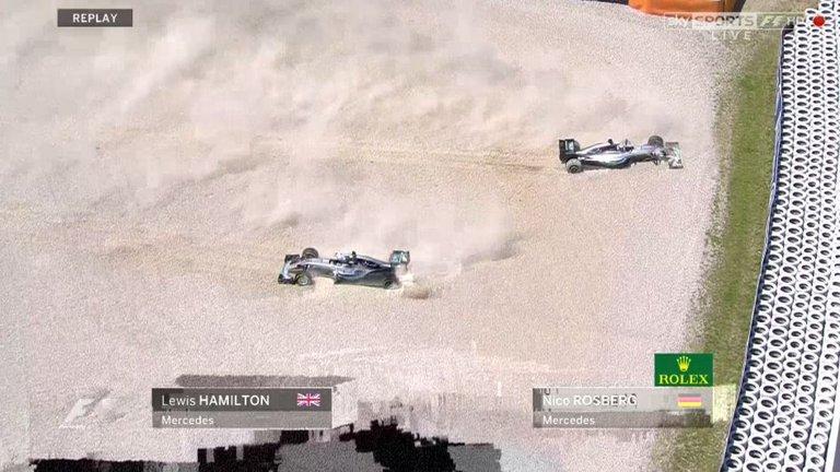 Acidente entre as Mercedes