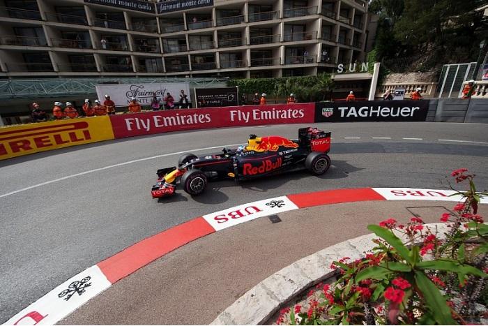 F1 – Ricciardo lidera o segundo treino livre em Mônaco