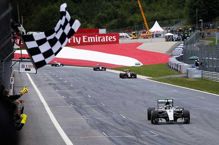 Bandeirada do GP da Áustria - 2014