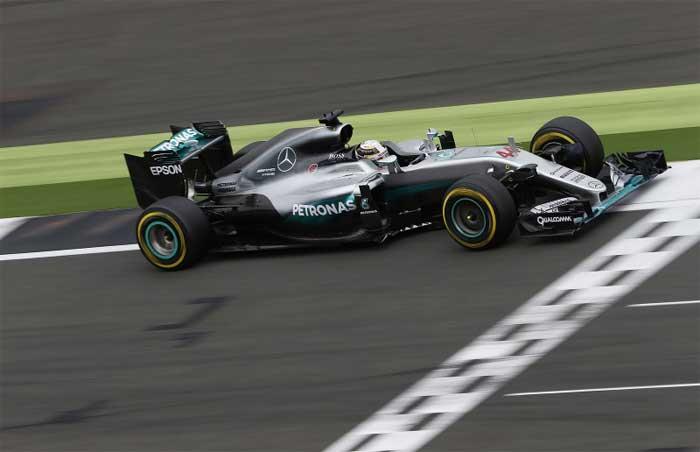 F1 – Hamilton sugere troca dupla de motor para a Mercedes