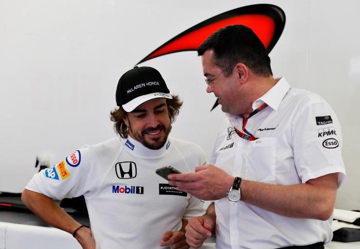 Fernando Alonso e Eric Boullier