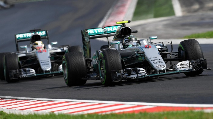 F1 – Paddy Lowe nega controle de tração na Mercedes