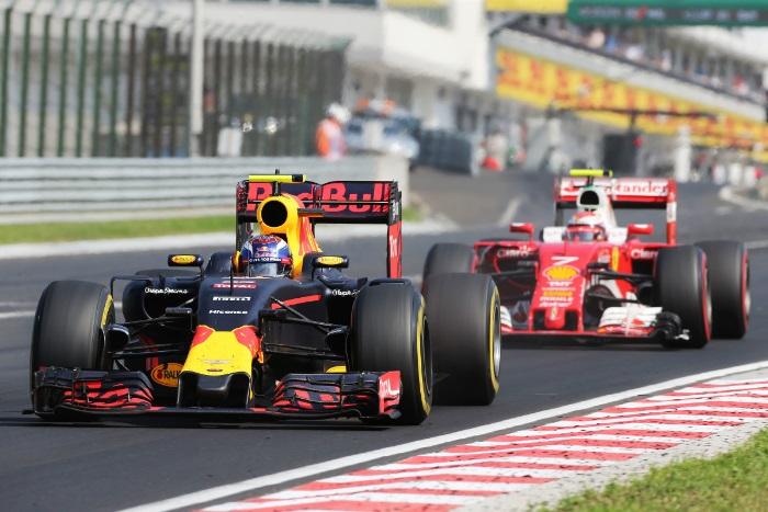 Max Verstappen e Kimi Raikkonen
