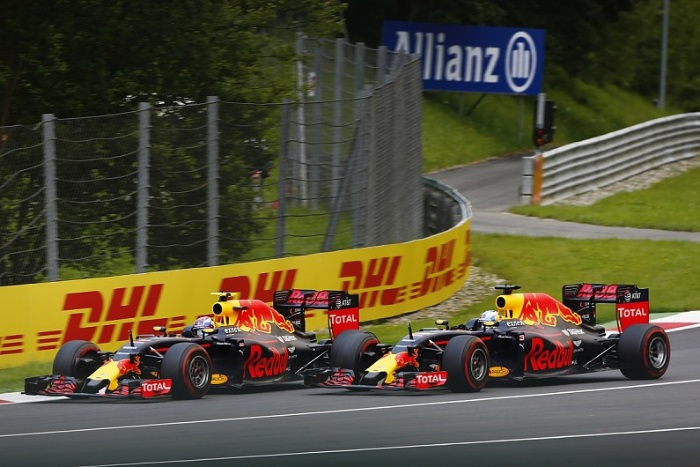 Max Verstappen e Daniel Ricciardo