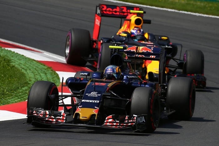 Carlos Sainz e Max Verstappen