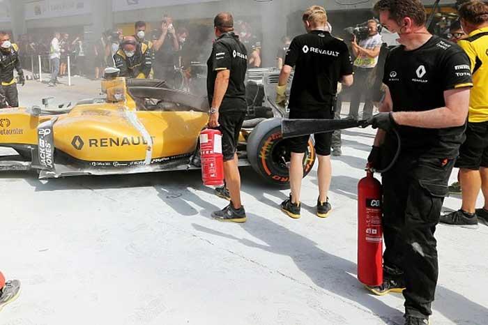 Incêndio no carro de Magnussen