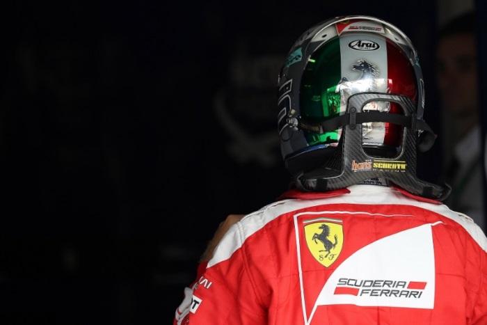 Verstappen lidera dobradinha da Red Bull no 1º treino livre em Cingapura
