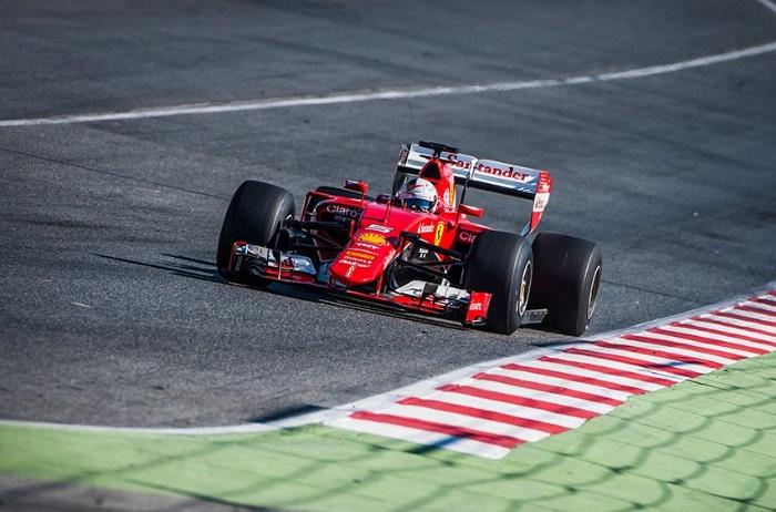 Sebastian Vettel no teste da Pirelli