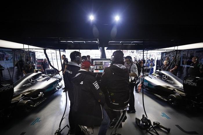 Boxes da Mercedes