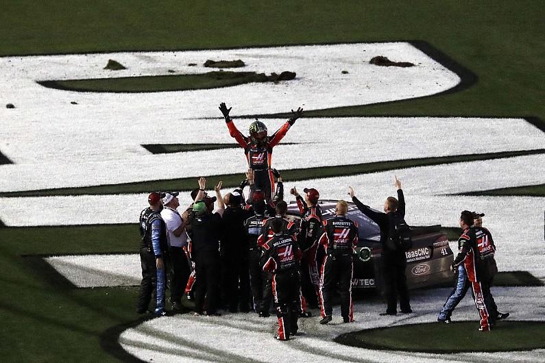 NASCAR17-Kurt Busch
