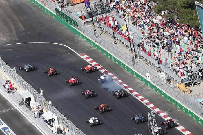Largada do GP de Baku