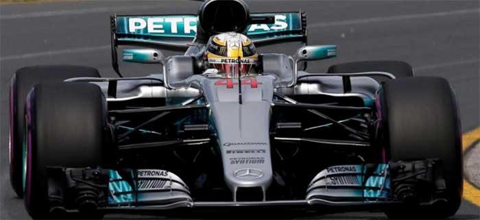 Hamilton ainda na frente em Melbourne