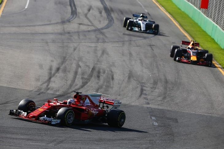 Sebastian Vettel, Max Verstappen e Lewis Hamilton