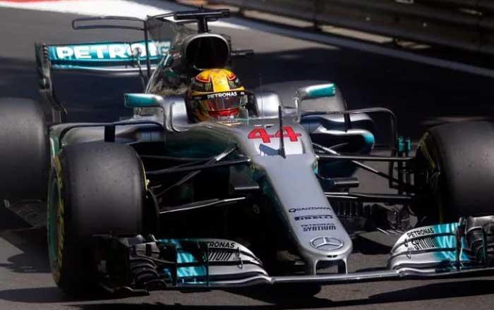 Hamilton marca 66ª pole em Baku