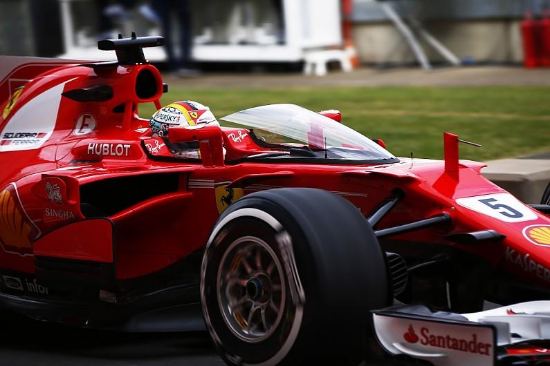 "Vettel com o ""shield"""